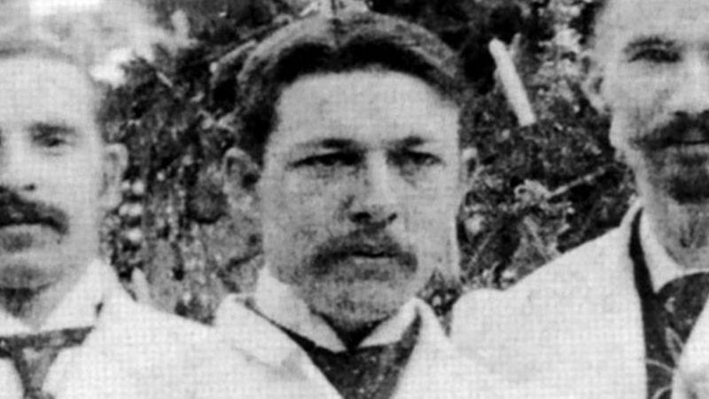 William B. Coley, médico que propôs a cura do câncer usando bactérias.